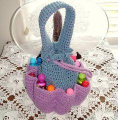 Crochet Geek : Crochet Bingo Bag or Craft Bag (free crochet pattern) Free Crochet Bag, Crochet Purse Patterns, Crochet Shell Stitch, Crochet Geek, Crochet Gifts, Knit Crochet, Crochet Bags, Ravelry Crochet, Ravelry Free