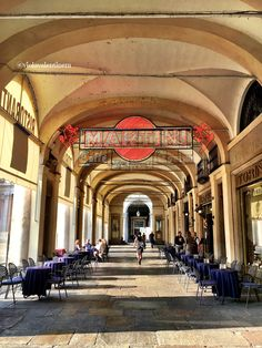 World Of Darkness, Italy Travel, Milan, Beautiful Places, Places To Visit, Street View, Mansions, House Styles, Universe