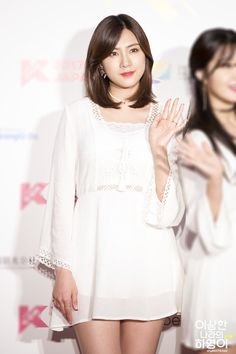 Kpop Girl Groups, Kpop Girls, Oh Hayoung, The Most Beautiful Girl, Asian Beauty, Idol, White Dress, Couple, Celebrities