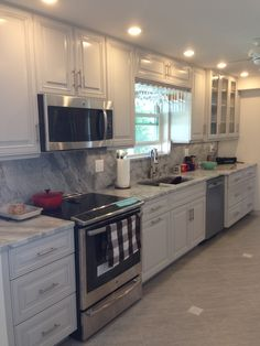 Gray lacquered kitchen