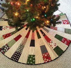 This Christmas Tree Skirt combines a Gold Cut Velvet with a Shirred edge of Bronze Velvet. We added to the detailing with ruffles and oversized beads! The fabrics and trims in this Christmas Tree Skir - Christmas Tree Decorating Idea Xmas Tree Skirts, Christmas Tree Skirts Patterns, Christmas Skirt, Christmas Sewing, Noel Christmas, Christmas Countdown, Christmas Ornaments, Christmas Quilting, Christmas Clothes