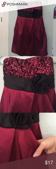 Strapless dress Speechless, Sz 1, maroon strapless dress with sequined bust and black rose on the side, ties in the back, and it has pockets...... OMG!!! ❤️ Speechless Dresses Strapless