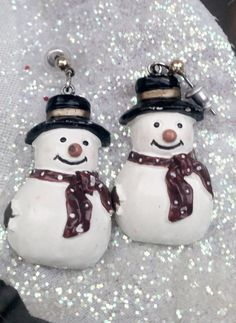 Hey, I found this really awesome Etsy listing at https://www.etsy.com/listing/248329555/adorable-vintage-snow-men-earrings-set