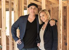 Canadian born, Nashville-based couple Kortney and Dave Wilson are not only expert house flippers, but their on-screen chemistry is undeniable. Masters Of Flip, Kortney Wilson, House Flippers, Flipping, Favorite Tv Shows, Hair Beauty, Hair Styles, Chemistry, Nashville