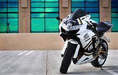 white black and gold Lucky Strike Gsxr 1000, Sportbikes, Suzuki Gsx, Custom Bikes, Cars And Motorcycles, Motorbikes, Sick, Lovers, Black And White