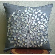 copri cuscino di seta con inserti madreperla e pelle - Silk Pillow Cover with Mother Of Pearl & Silver Leather Embroidery