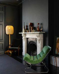 Znalezione obrazy dla zapytania black walls interior design