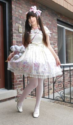 kyandikitten:  Hello! I have entered a photo contest and I desperately need votes please! If you could please vote for these photos on the voting page hereandhere! I will be forever greatful!! Thank you so so so very much lovelies!
