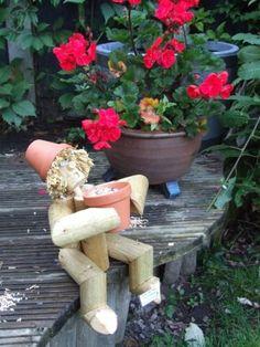 Ground Birdfeeder Flower Pot Man