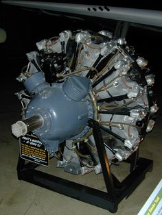 The Pratt & Whitney Wasp series of air-cooled radial piston engines, basically the engine that made america win the air war in both Europe and The Pacific during WWII, also being the engine that powered the legendary a plane that still flies to this day Aircraft Engine, Navy Aircraft, Ww2 Aircraft, Military Aircraft, F4u Corsair, Grumman F6f Hellcat, P 47 Thunderbolt, Radial Engine, Engine Pistons