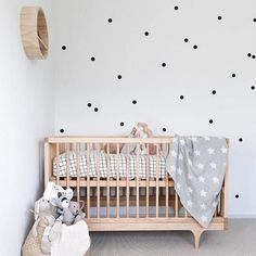 You can easily create a minimal nursery from a neutral colour palette complimented by strong patterns & textures. Polka Dot Nursery, Polka Dot Walls, Baby Nursery Neutral, Polka Dots, Baby Room Design, Nursery Design, Star Nursery, Nursery Room, Interior Design Styles Quiz