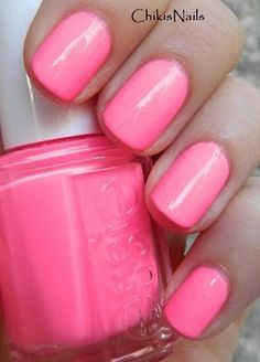 Essie pink parka in love with this. Next Essie color for sure. Love Nails, Pink Nails, How To Do Nails, Pretty Nails, My Nails, Essie Nail Polish, Nail Polish Colors, Nail Polishes, Garra