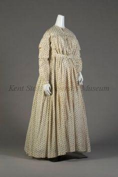Circa 1865 Maternity day dress, ivory cotton with brown floral print. Via Kent State University Museum. Maternity Wear, Maternity Fashion, Maternity Dresses, Maternity Clothing, Dresses Dresses, 1850s Fashion, Victorian Fashion, Vintage Fashion, Medieval Fashion