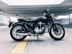 WTS: SUPER RARE Kawasaki W400 Classic Motorcycle (Cafe Racer Ready)