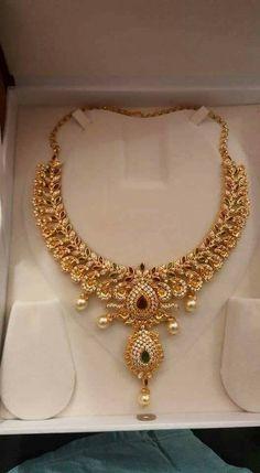 Gold Earrings Designs, Gold Jewellery Design, Gold Jewelry, Jewelry Sets, Gold Necklaces, Gold Bangles, Necklace Designs, Antique Jewelry, Indian Jewelry Earrings