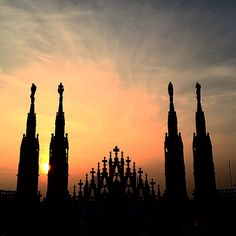 Buona notte #Milano. #Blogville #InLombardia - Instagram by moimessouliers