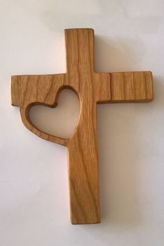 Wooden cross with large cutout cross to side - Shoe Tutorial and Ideas Wooden Cross Crafts, Wooden Crosses, Wall Crosses, Crosses Decor, Cork Crafts, Woodworking Projects Diy, Woodworking Furniture, Wood Projects, Woodworking Techniques