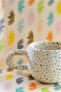 Ceramic Tableware, Ceramic Cups, Ceramic Art, Pottery Mugs, Ceramic Pottery, Pottery Art, Clay Art Projects, Ceramics Projects, Pottery Painting Designs
