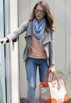Jessica Alba media gallery on Coolspotters. See photos, videos, and links of Jessica Alba. Mommy Style, Her Style, Fall Outfits, Casual Outfits, Casual Wear, Look 2017, Fashion 2017, Womens Fashion, Fashion Outfits