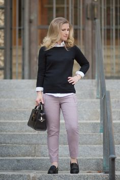 Petite-Fashion-and-Style-Blog-Banana-Republic-Sloan-Fit-Plaid-Pant-J.-Crew-Tippi-Sweater-Madewell-Elinor-Loafer-3.jpg 1200×1803 képpont