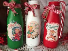Christmas Vases, Country Christmas Decorations, Christmas Arrangements, Christmas Centerpieces, Retro Christmas, Xmas Decorations, Christmas Crafts, Christmas Kitchen, Rustic Christmas