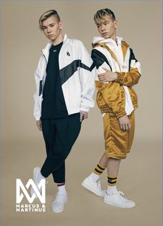 Official Marcus & Martinus online store with a wide selection of sweaters, t-shirts, caps, bracelets and much more. Buy official M&M merch from MMSTORE. Marcus Y Martinus, Cute Boys, My Boys, He's Mine, Emo, Love Twins, Funny Dog Memes, Handsome Boys, Pretty Wallpapers
