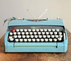 Adorable blue mint vintage Typewriter!