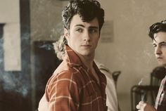 Aaron Taylor-Johnson as a young John Lennon in NOWHERE BOY. I'm a sucker for blue eyes, black hair and that classic hairdo. Aaron Taylor Johnson, Nowhere Boy, James Sirius Potter, Eddie Vedder, Chris Cornell, Beatles, Pretty People, Beautiful People, Top 10 Actors