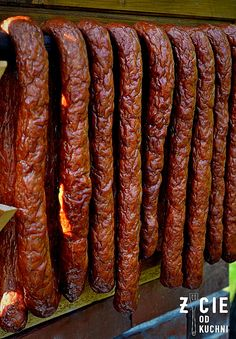 wedzona kielbasa domowa Homemade Sausage Recipes, Smoked Meat Recipes, Grilling Recipes, Pork Recipes, Home Made Sausage, Bariatric Eating, Kielbasa, Food Humor, My Favorite Food