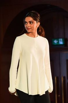 Indian Bollywood actress Deepika Padukone founder of the Live Love Laugh Foundation attends the unveiling event for a report on the public perception. Indian Bollywood Actress, Indian Actresses, Deeps, Dipika Padukone, Deepika Padukone Style, Vintage Bollywood, Indian Celebrities, Bollywood Stars, Beautiful Indian Actress