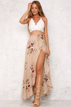 25 Most Beautiful Long Crop Tops Skirt Dress Ideas Only For You is part of Maxi skirt outfits - with which dress style how will be your looking, what will be suitable for you, you will be able know it properly studying our articles Maxi Skirt Outfits, Dress Skirt, Maxi Skirt Outfit Summer, Maxi Skirt With Slit, Beach Skirt, Summer Maxi Skirts, Maxi Skirt Boho, Lace Maxi, Boho Skirts
