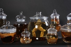 Vintage Apothecary Jars with specimens  http://steampunkincornwall.blogspot.co.uk/
