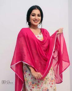 Punjabi Suits, Salwar Suits, Patiyala Suit, Punjabi Models, Patiala, Bridal Outfits, Indian Wear, Desi, Goal