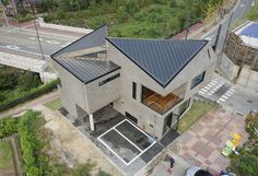 Scale-ing House : 모던스타일 주택 by JOHO Architecture