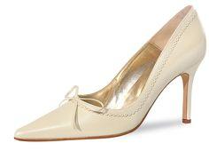 Riemchenschuh Zara - perle      Eleganter Brautschuh der Marke Fiarucci in perle / creme     Aus weichem Leder     Absatzhöhe ca. 8 cm     Schlanke Schuhspitze streckt den Fuß optisch     Ballenbereich gepolstert