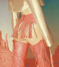 Fashion Details, Fashion Design, Le Far West, High Fashion, Womens Fashion, Pretty In Pink, Fashion Photography, Style Inspiration, Costumes