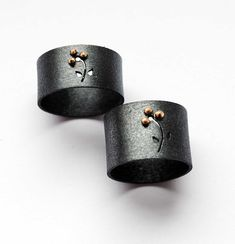 Items similar to Oxidized - Texturized Sterling Silver Band Ring. 18kt Gold. Black. THE THREE PETALS Band Ring. Handmade by Maria Goti Joyas. on Etsy