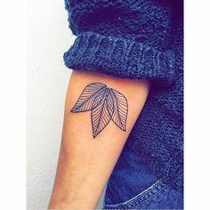 54 trendy Ideas for tattoo fonts small tatoo Hot Tattoos, Great Tattoos, Trendy Tattoos, Body Art Tattoos, Small Tattoos, Fake Tattoos, Tatoos, Blue Ink Tattoos, Tattoos Pics