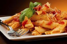Hummmm!!!! Hoje 25 de outubro é dia de massa, isso mesmo, hoje é o dia mundial do macarrão e pra comemorar, algumas dicas para comer sem culpa.... só não pode exagerar!!!