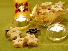 Eierlikör Rezept: Weihnachtsplätzchen Sterntaler mit Verpoorten-Guss - Backrezepte - VERPOORTEN