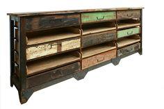 Foto del mueble expositor con cajones modelo Eidan de Francisco Segarra.