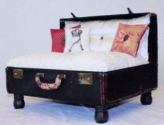 Vintage Suitcase Pet Bed - Holy cow, now I just have to find the perfect suitcase!! How cute would Mousse be in that!?!