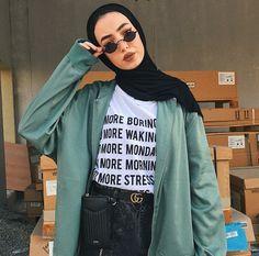 For me please . Modern Hijab Fashion, Street Hijab Fashion, Hijab Fashion Inspiration, Muslim Fashion, Fashion Outfits, Modest Fashion, Hijab Casual, Hijab Chic, Modele Hijab