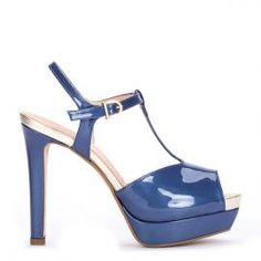 Sandalia plataforma Pedro Miralles en piel charol azul marino #shoes #shoeporn #trends #ss16 #shoes #pedromiralles #shoeaddict #madeinspain