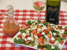 Delicious and Easy Strawberry Spinach Salad Recipe on Yummly