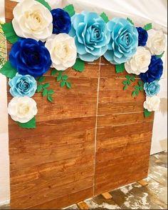 aper flower backdrop in colors light blue, royal blue and white 🌿🦋🍃 White Paper Flowers, Paper Flower Wall, Giant Paper Flowers, Big Flowers, Paper Roses, Paper Flower Backdrop Wedding, Wedding Paper, Party Lights, Decoration Table