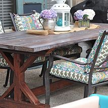 DIY Budget-Friendly Outdoor Farmhouse Table!