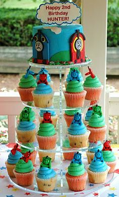 Thomas cake/cupcakes