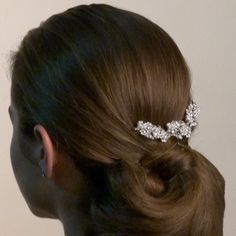 Dress up your hair this #wedding season with this beautiful pearl and Swarovski crystal comb. Features decorative Swarovski crystal and pearl flowers and leaves. This #hair slide can be used to keep hair out of the eyes, secure a #hairstyle or it can also be used for purely ornamental reasons. #beauty #accessories #hairstyles