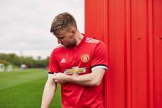 áo bóng đá mu đỏ sân nhà mùa giải mới nhất